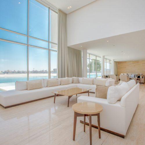 Dubai,,United,Arab,Emirates,03/03/2020,:,Entrance,Of,A,Luxury